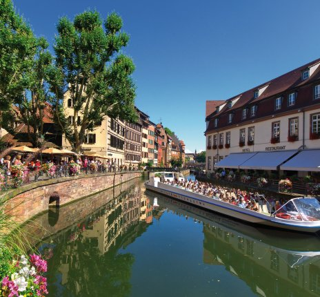 Bootsfahrt in Petite France in Straßburg © Mellow10-fotolia.com