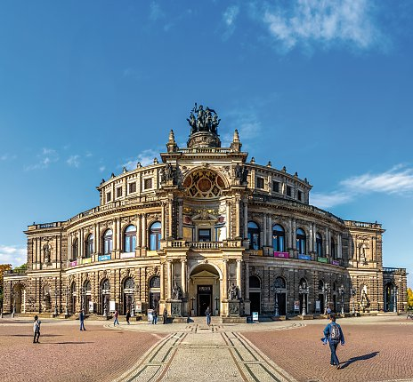Semperoper in Dresden © pure-life-pictures-fotolia.com